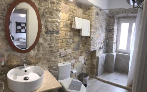 A1-Bath2