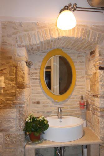 A2-Bath2