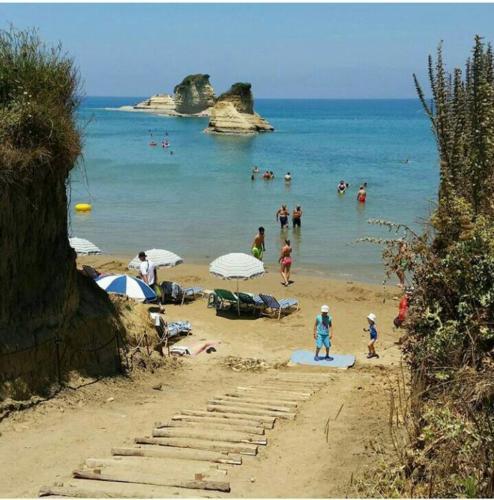 Beaches (55)